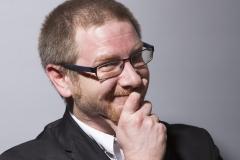 OJ_Pressefoto_schmunzelnd