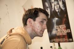 Behind The Scenes: Blutspritzer trocknen lassen.